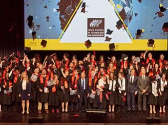 La promotion 2015 de Ionis-STM à l'honneur lors de la remise des diplômes